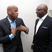 Donnie McClurkin et Jim Colon lors du super Bowl Gospel